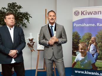 Kiwanis bábiky 2017 pomáhajú
