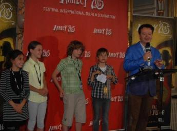 Vyhlasovanie víťazov v kategórii krátkych filmov na Radnici mesta Annecy. Členovia poroty: Lilou Grimaud (Fr), Ema Kissová a Martin Valenko (SK), Achille Zins (FR)