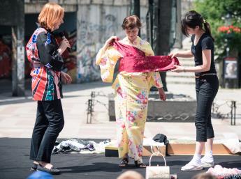Viete ako sa oblieka kimono