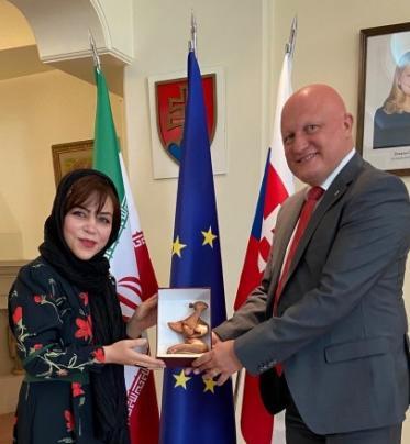 Odovzdávanie ocenenia UNICEF v Teheráne