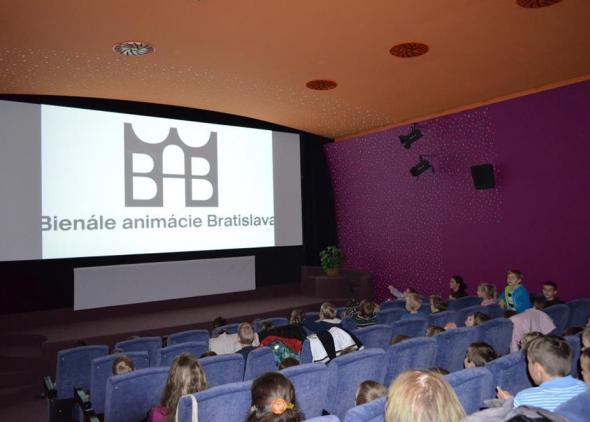Najmenší diváci na premietaní v kine Mladosť